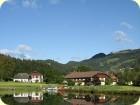 Strahlend blauer Himmel über dem Talhof