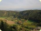 Der Blick auf den Talhof von der Wanderung auf den Veitsberg